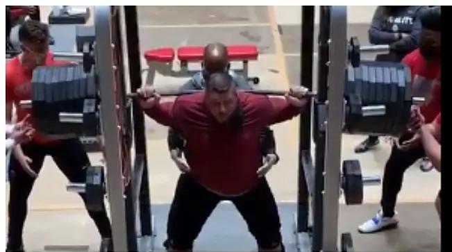 Joe Kovacs senza parole: squat totale con ... 395 chili !!!- IL VIDEO