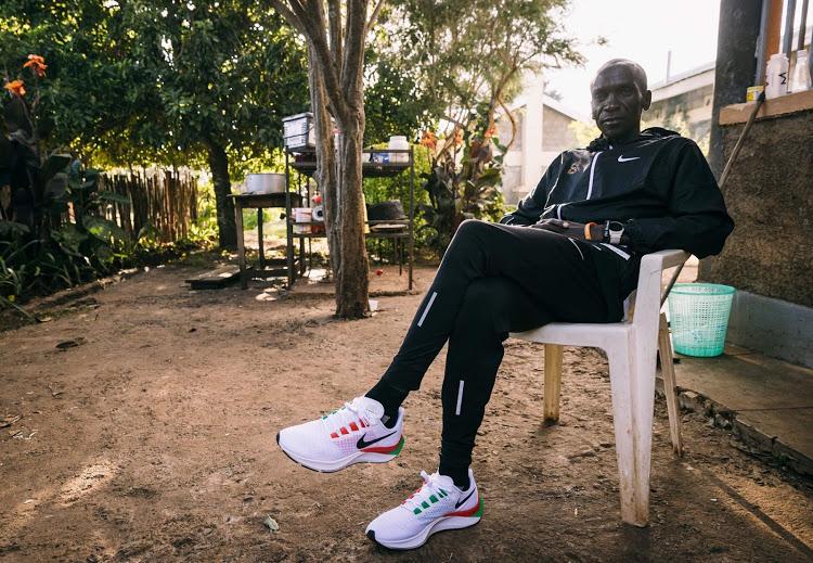 Eliud Kipchoge torna Kenya: è ora di riprendersi e allenarsi per le Olimpiadi