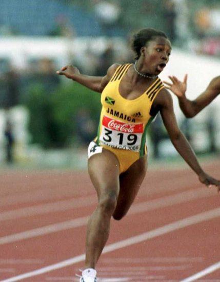 Veronica Campbell-Brown si ritira, è stata una delle velociste più vincenti di sempre