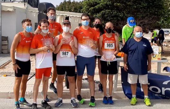 Atleti ed accompagnatori ASD Partinico Running con Giuseppe Corona -Corsa Zero Barriere 2021-