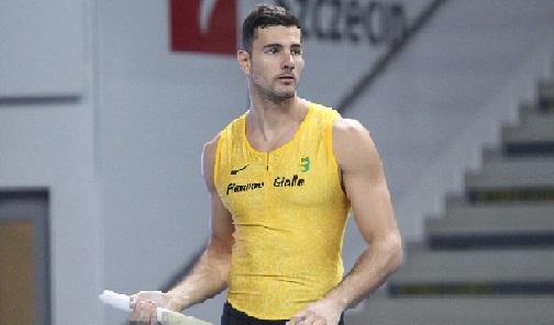 Claudio Stecchi torna in gara con 5,40 nell'asta