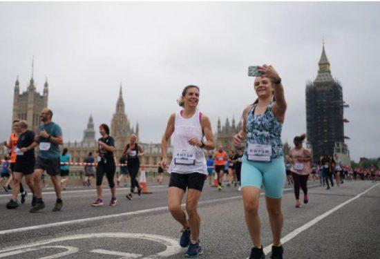 Oltre 14.000 runner corrono una 10 km a Londra, un grande passo verso la normalità?
