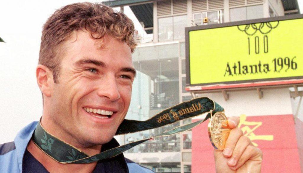 Mezza maratona critica per  Antonio Rossi colpito da infarto