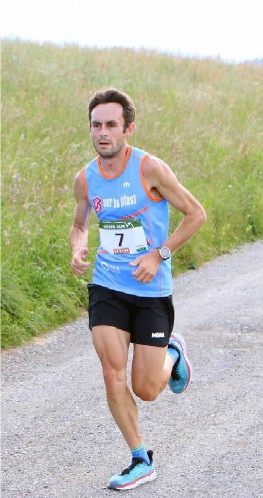 Alex Baldaccini e l'olandese Jacobs trionfano tra gli oltre 500 partecipanti alla ottava edizione della Mezza Maratona dell'Alpe di Siusi