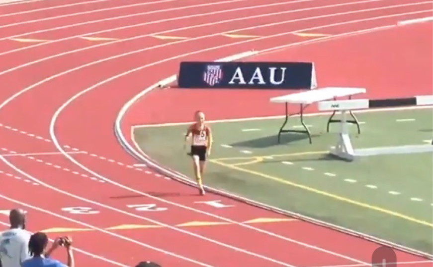 Bambino di 9 anni corre in 4:42.97 i 1500 metri!