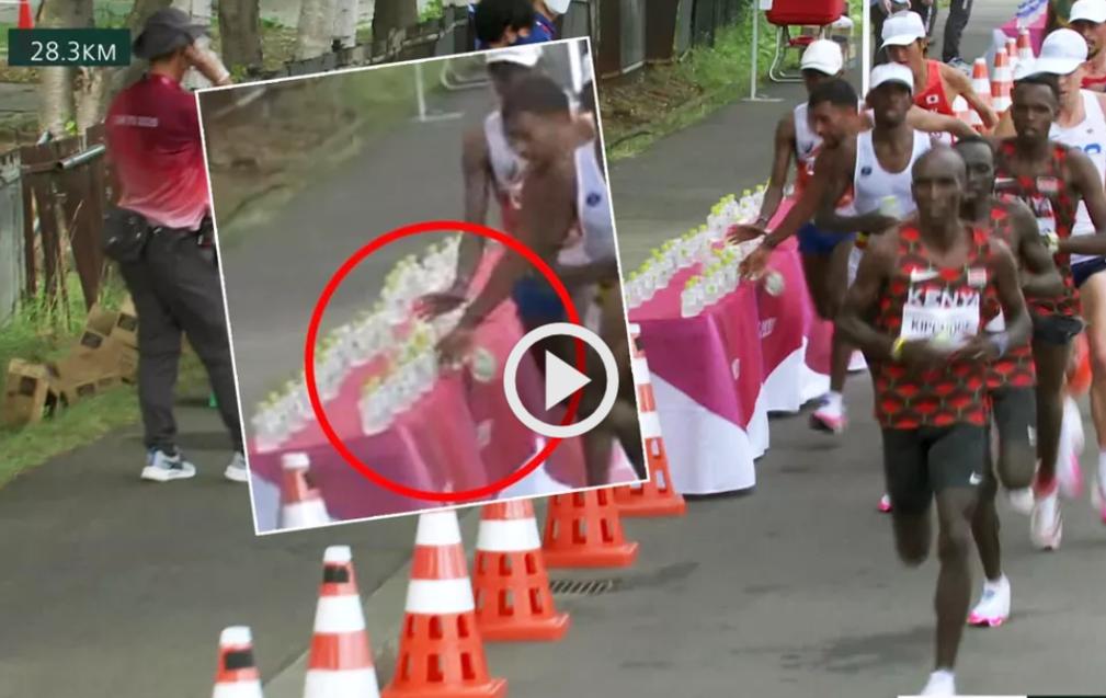 Maratona Tokyo: polemiche sulle bottiglie d'acqua rovesciate da un corridore francese-IL VIDEO