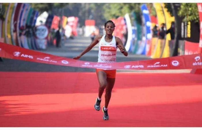 Frantumato il record del mondo di mezza maratona femminile