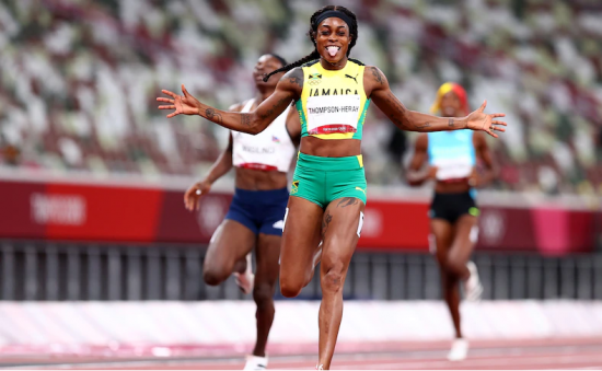 Olimpiadi Tokyo Atletica: Elaine Thompson-Herah diventa la prima donna a vincere due volte i 100 e 200 metri olimpici