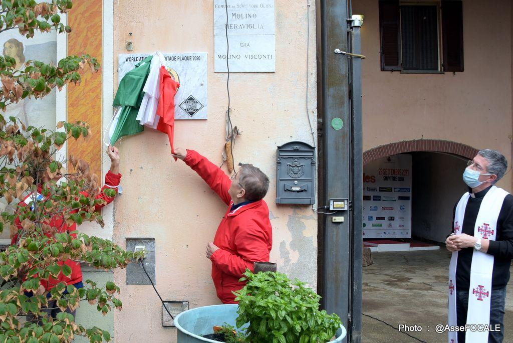 Cinque Mulini svela la sua targa Heritage sul muro del mulino Meraviglia