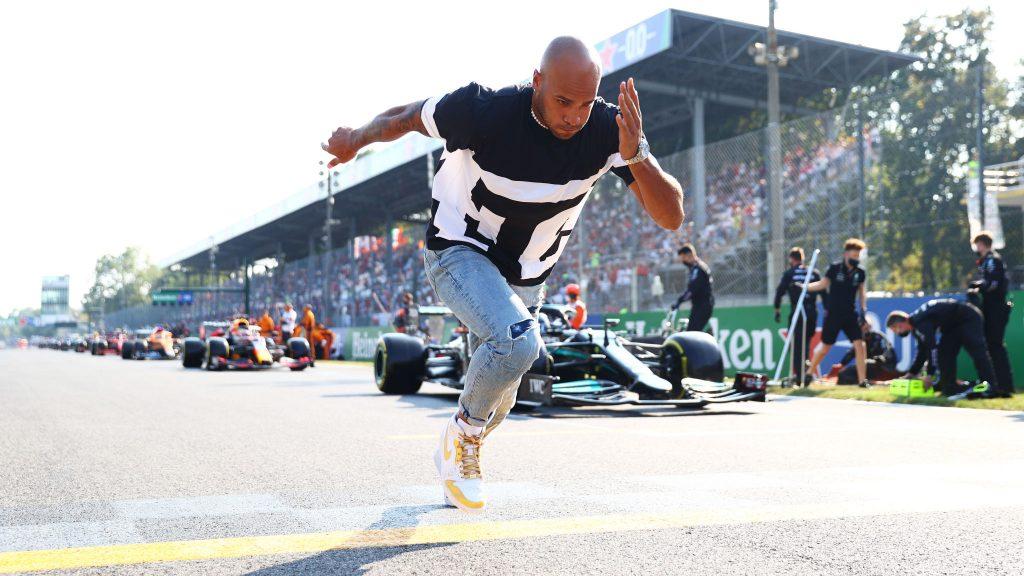 """Marcell Jacobs in """"Pole position"""" nel Gran premio di Formula uno a Monza"""