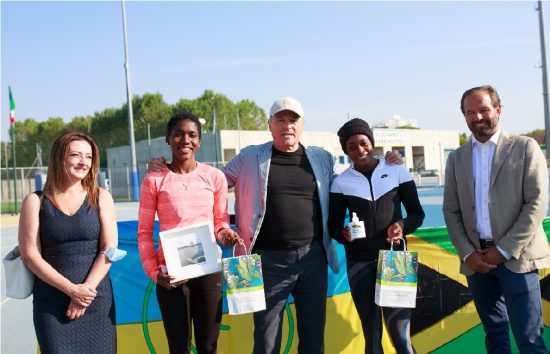 Lignano, Saluto atleti giamaicani - da sx Spagnolo, Russell, Dannisi, Thompson e Marosa