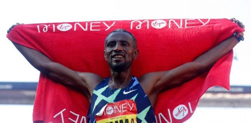 L'etiope Sisay Lemma vince la maratona di Londra maschile in 2:04.01