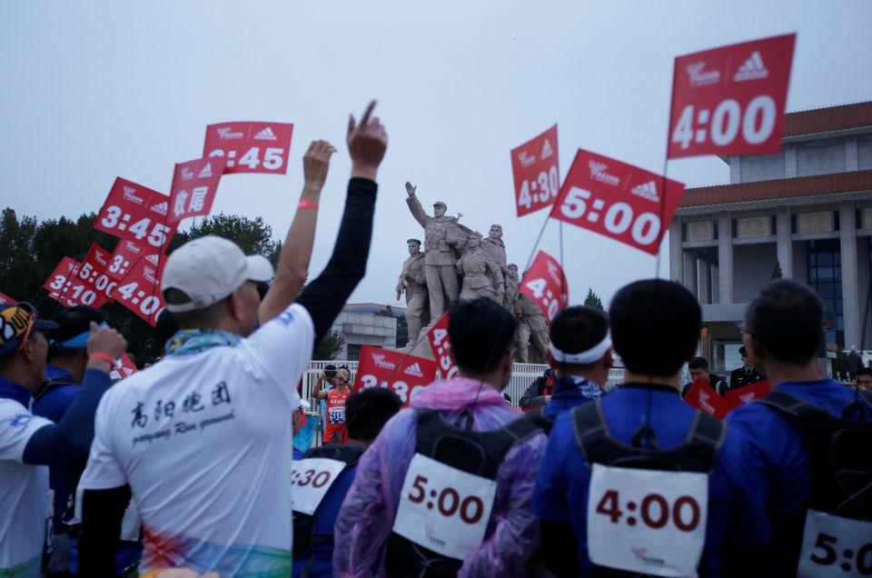 Torna dopo il covid la Maratona di Pechino con 30.000 podisti