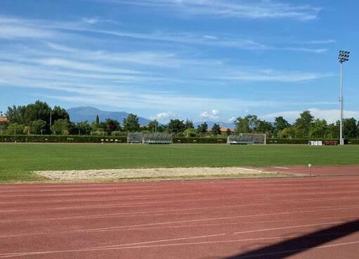 Chiude la scuola d'atletica nel paese di Marcell Jacobs, scambio di accuse tra comune e società