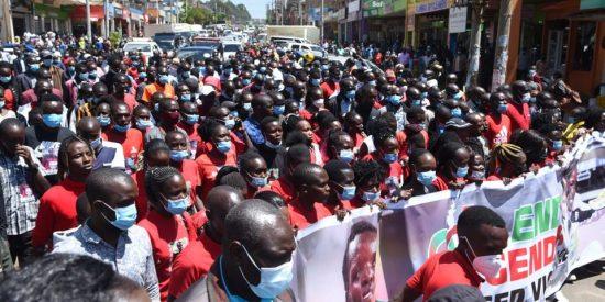 Morte Tirop: in migliaia per le strade  piangono la sua scomparsa, tra loro Eliud Kipchoge